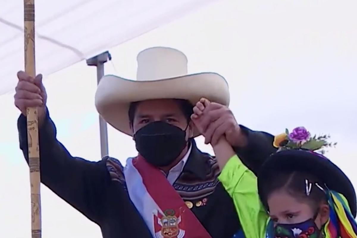 Ayacucho: Pedro Castillo juró como presidente en la Pampa de la Quinua