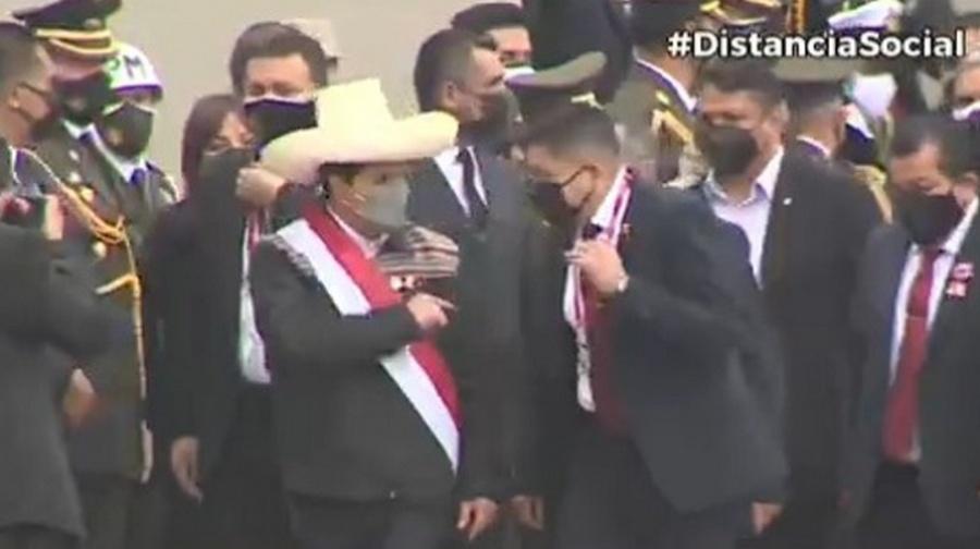 Presidente Castillo abandonó desfile cívico-militar para viajar a Sullana tras sismo