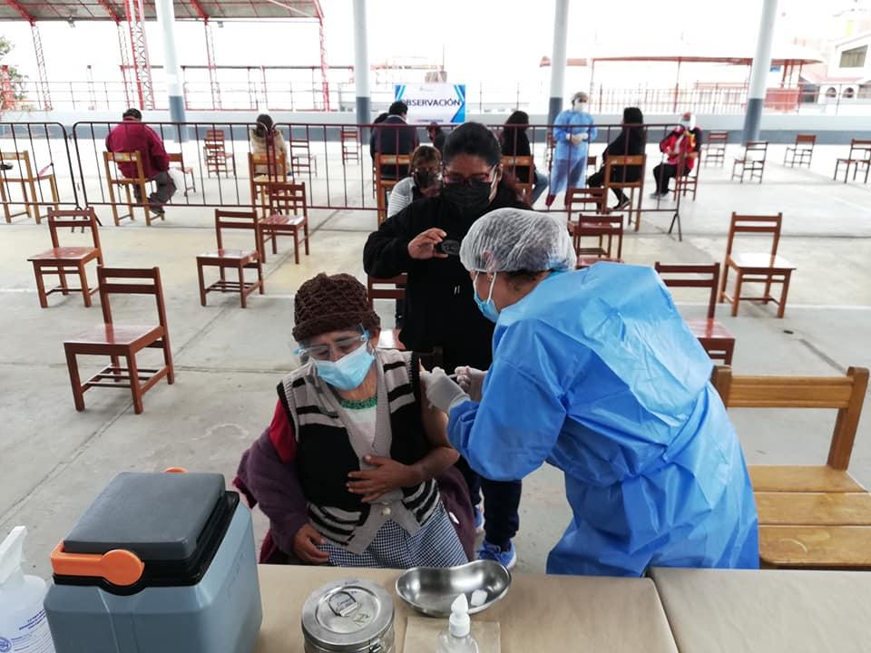 Amplían horario de vacunación en Moquegua