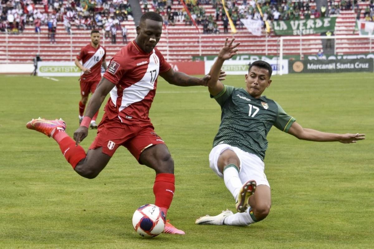 Perú cae 1 a 0 en Bolivia
