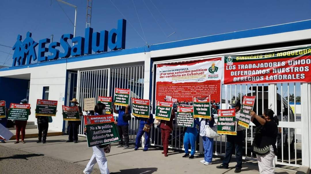 Trabajadores de EsSalud Moquegua exigen mejores condicioneslaborales