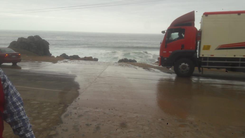 Se activa la quebrada La Gallina en la carretera Costanera