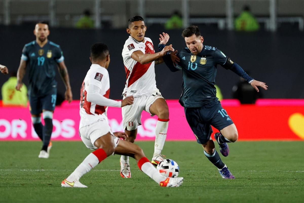 Perú pierde por 1 a 0 con Argentina y se aleja del Mundial Catar 2022