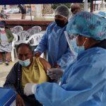 Vacunan a beneficiarios de Pensión 65 contra enfermedades respiratorias